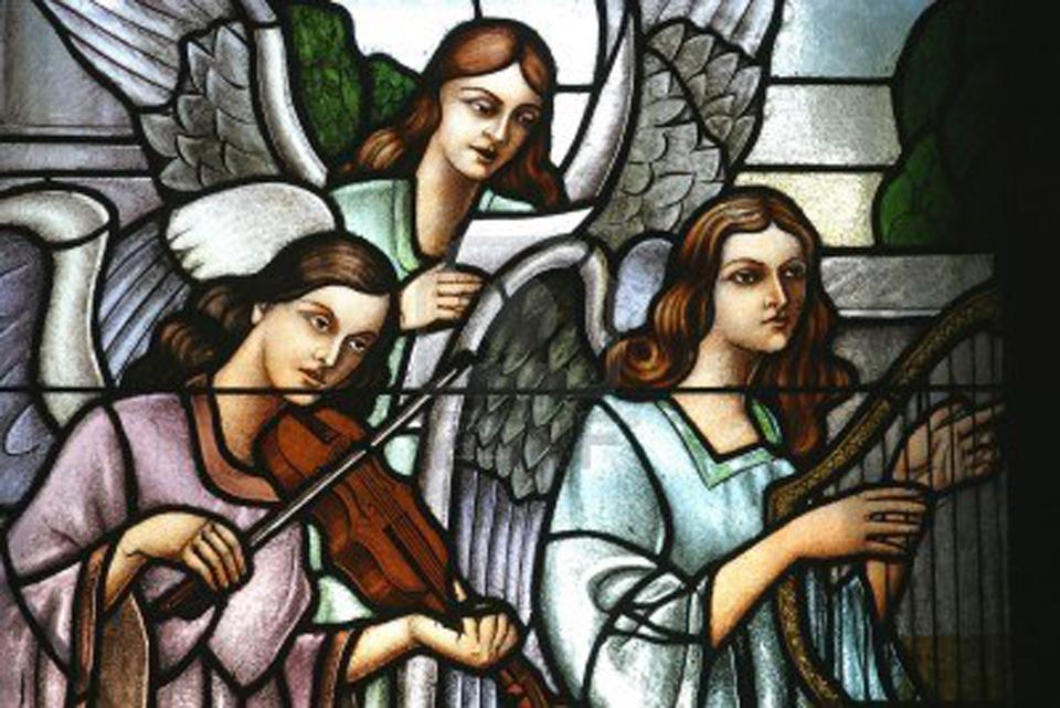 Engelen zingen samen met mensen